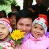 """""""Giáng sinh Hồng 2009"""" với các bé ở Viện K Tam Hiệp"""