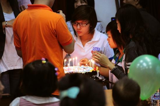 15 Thí sinh TL Idol2010 tham gia Tình nguyện tại Viện Nhi