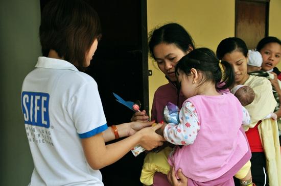 6 Thí sinh TL Idol2010 tham gia Tình nguyện tại Viện Nhi