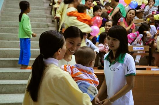 8 Thí sinh TL Idol2010 tham gia Tình nguyện tại Viện Nhi