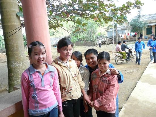 Bạn Hùng sinh viên K22 - người mới được kết nạp là đội viên chính thức của Đội SVTN Thăng Long hôm 29/01 trong đợt kết nạp đội viên đầu tiên của năm học 2010
