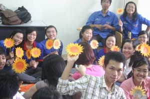IMG 0127 300x199 Ong teen góp mật ươm trồng cánh đồng Mặt trời