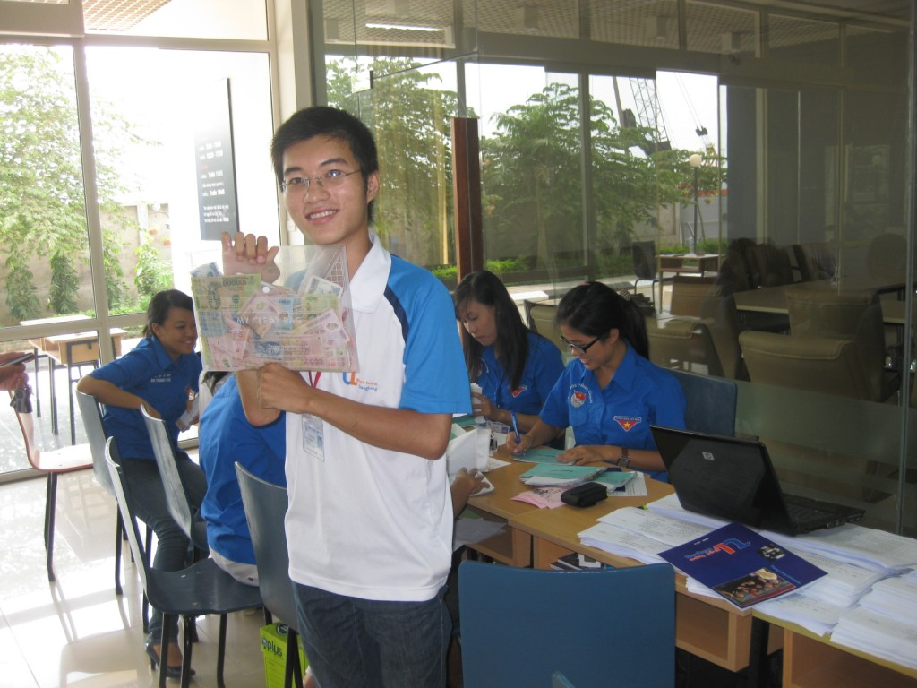 Bạn Nghĩa - CTV VPĐ K22 - Trưởng ban tổ chức chương trình tuyển CTV năm học 2010 - 2011 của VPĐ