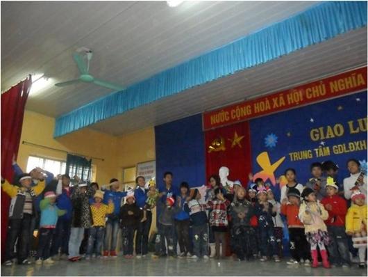 Chương trình mang đến nhiều niềm vui cho học viên và các bé đang sinh hoạt tại trung tâm