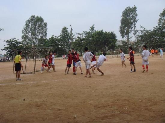ThangLongCup201002 Kết quả của giải bóng toàn trường Thăng Long Cup 2010
