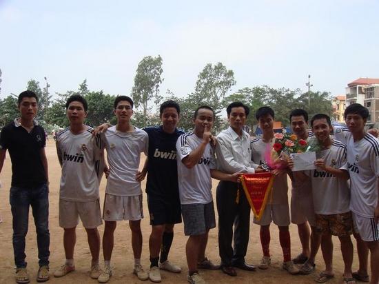 Giải Ba: Đội bóng Los Galaticos 1.9 (K19)