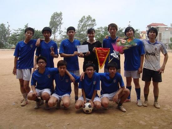 ThangLongCup201007 Kết quả của giải bóng toàn trường Thăng Long Cup 2010