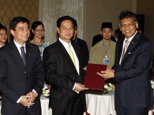 """""""Thanh niên ASEAN là tương lai cộng đồng ASEAN"""""""