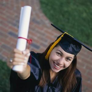 gradpic12 300x300 Thông báo v/v thu hồ sơ tốt nghiệp bổ sung đợt 15/05/2010